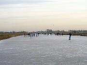 Bezpieczna zabawa na lodzie, podstawowe zasady